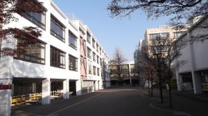 高千穂大学西門